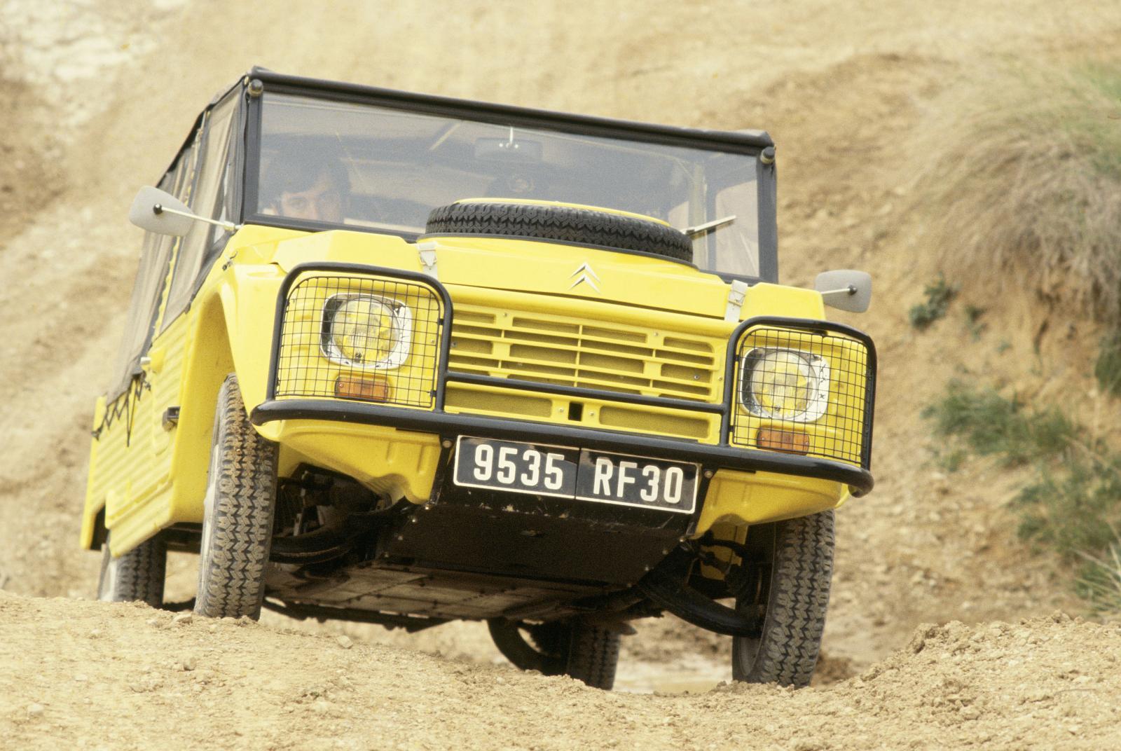 1979 Mehari 4x4 franchissement dune