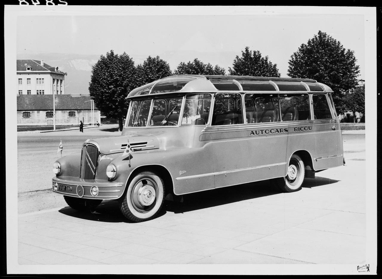 Ricou社のバス