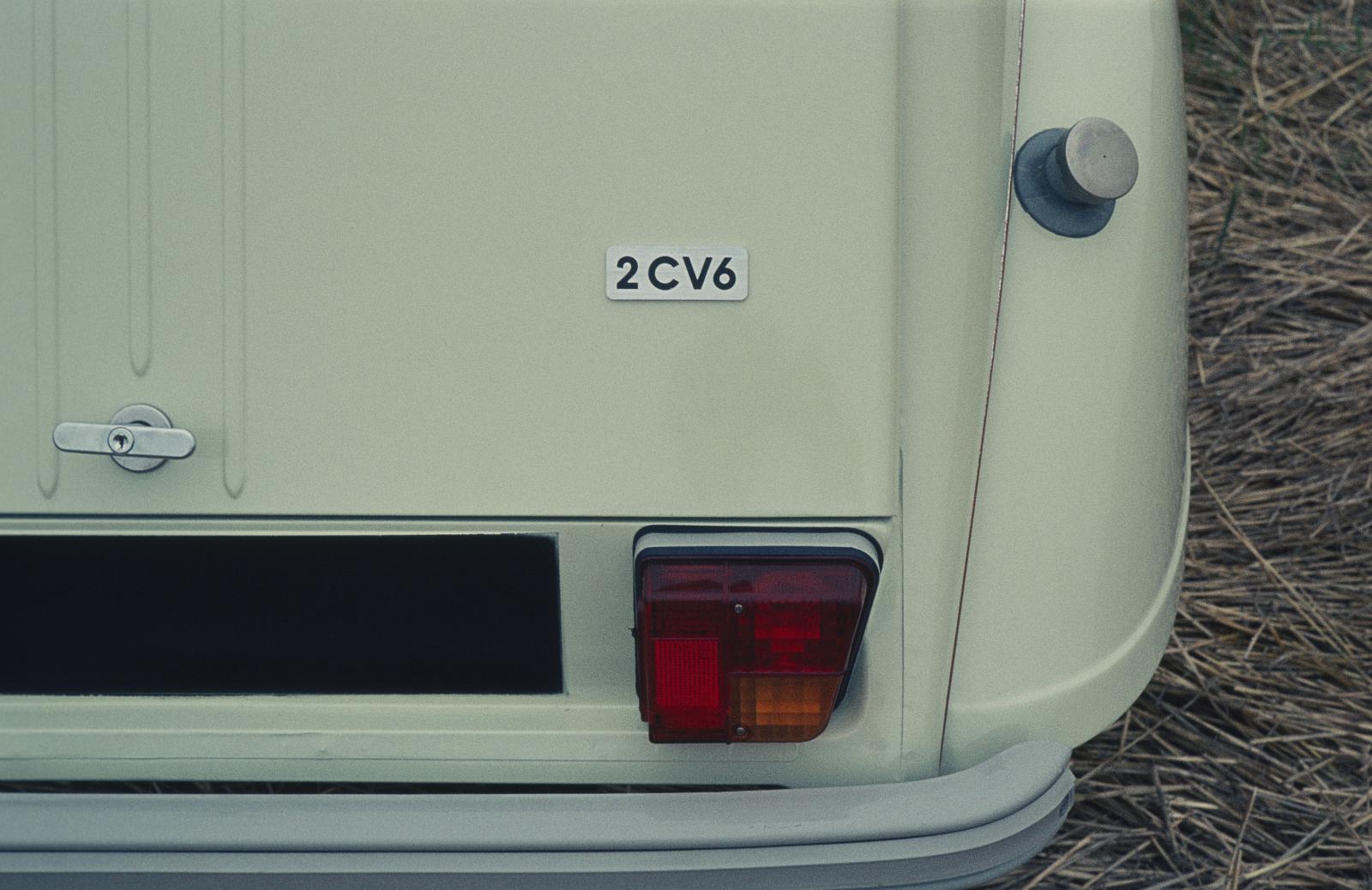 2CV6 1974 arrière