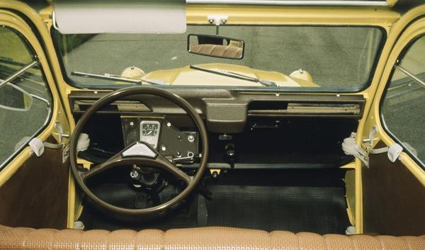 2CV Special 1975 intérieur