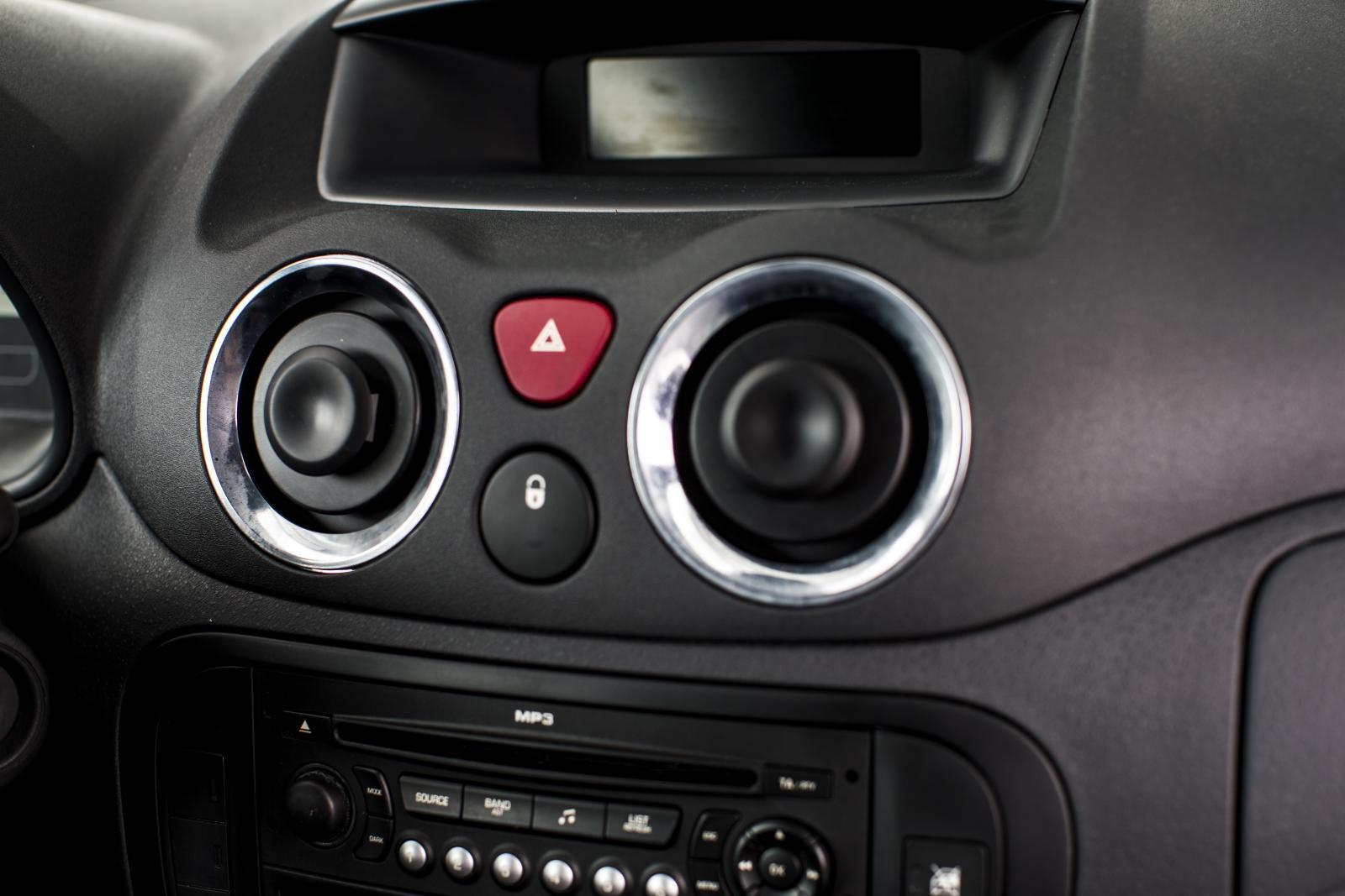 C3 Pluriel console de contrôle