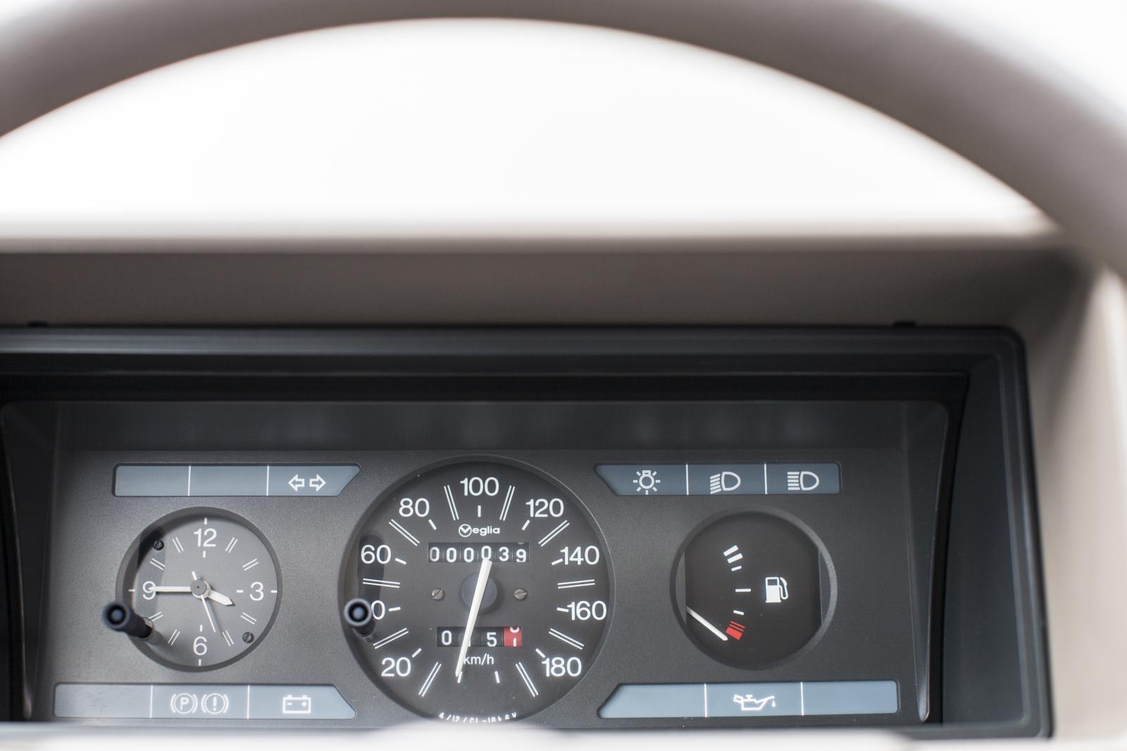 AX compteur de vitesse
