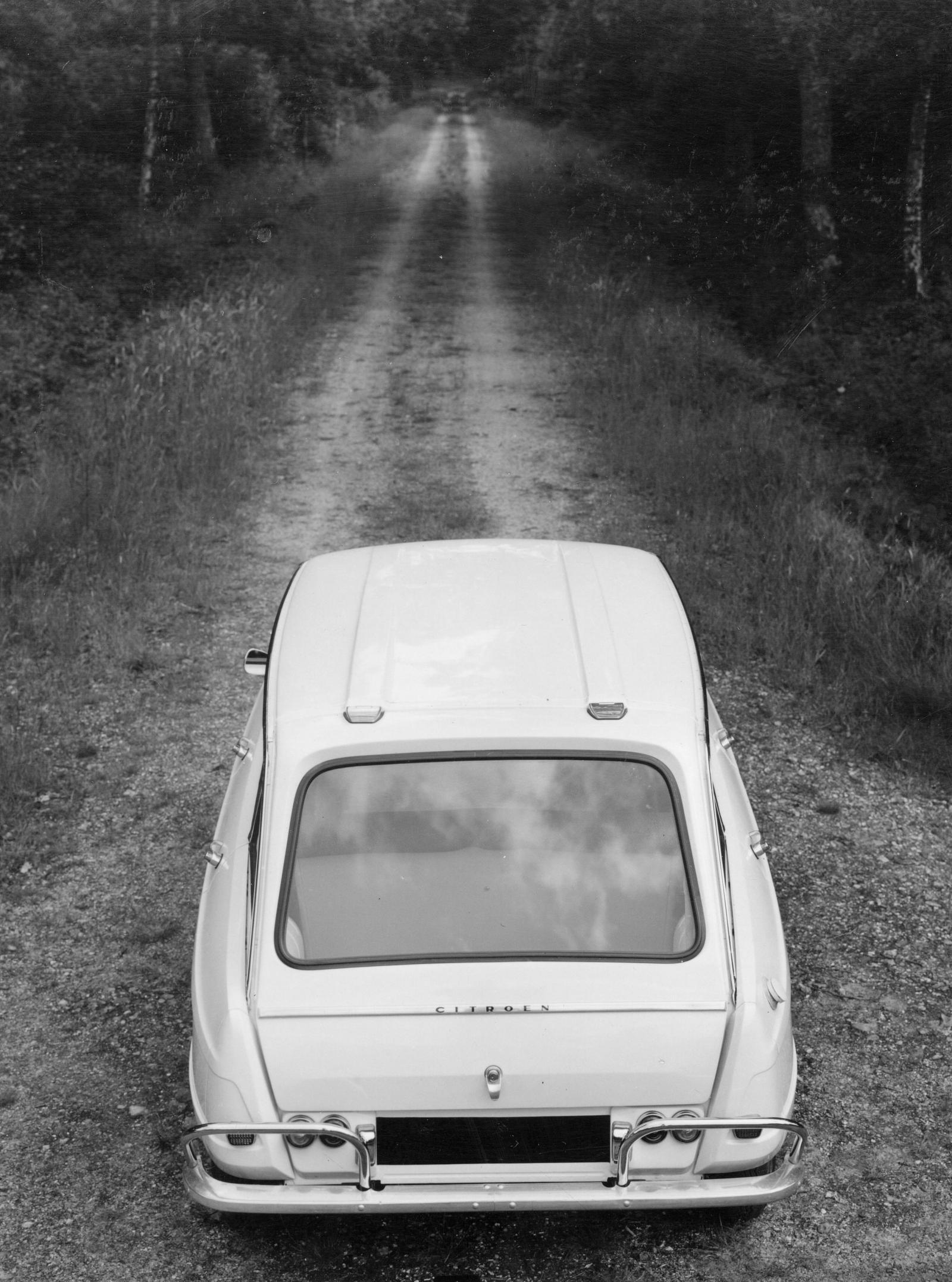AMI 6 Break 1964 arrière