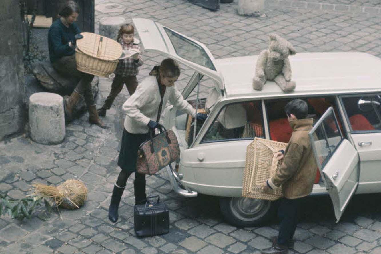 AMI 6 Break 1967 en famille