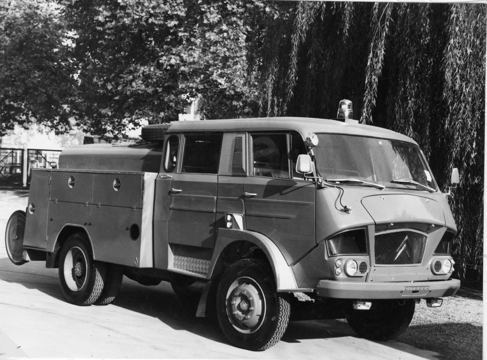 Citroën タイプ 700
