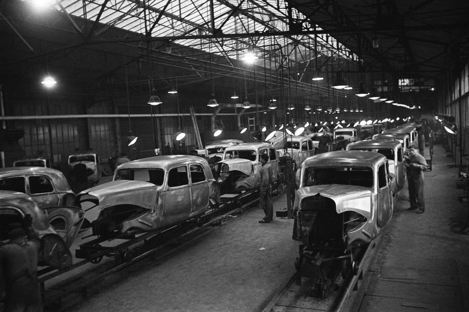 Chaine de production des Tractions en 1952