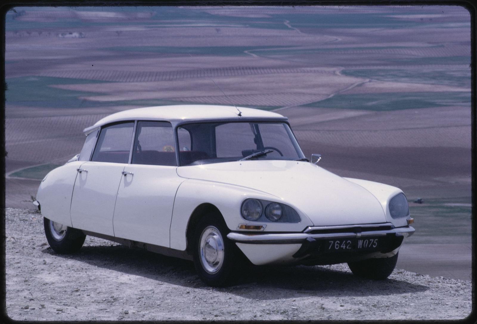シトロエン DS 21 セダン - 1971年