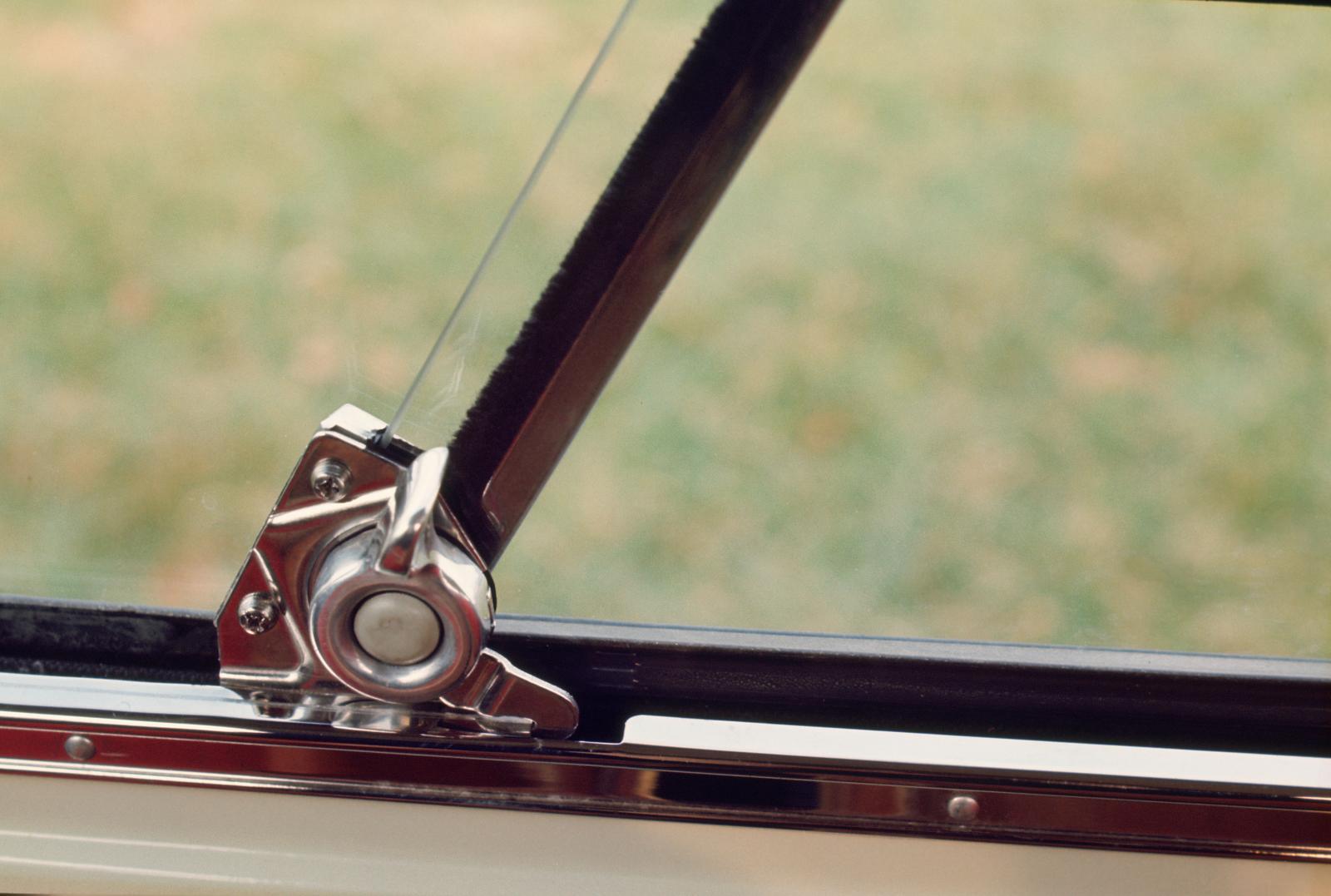 AMI 6 - détail du verrouillage des vitres
