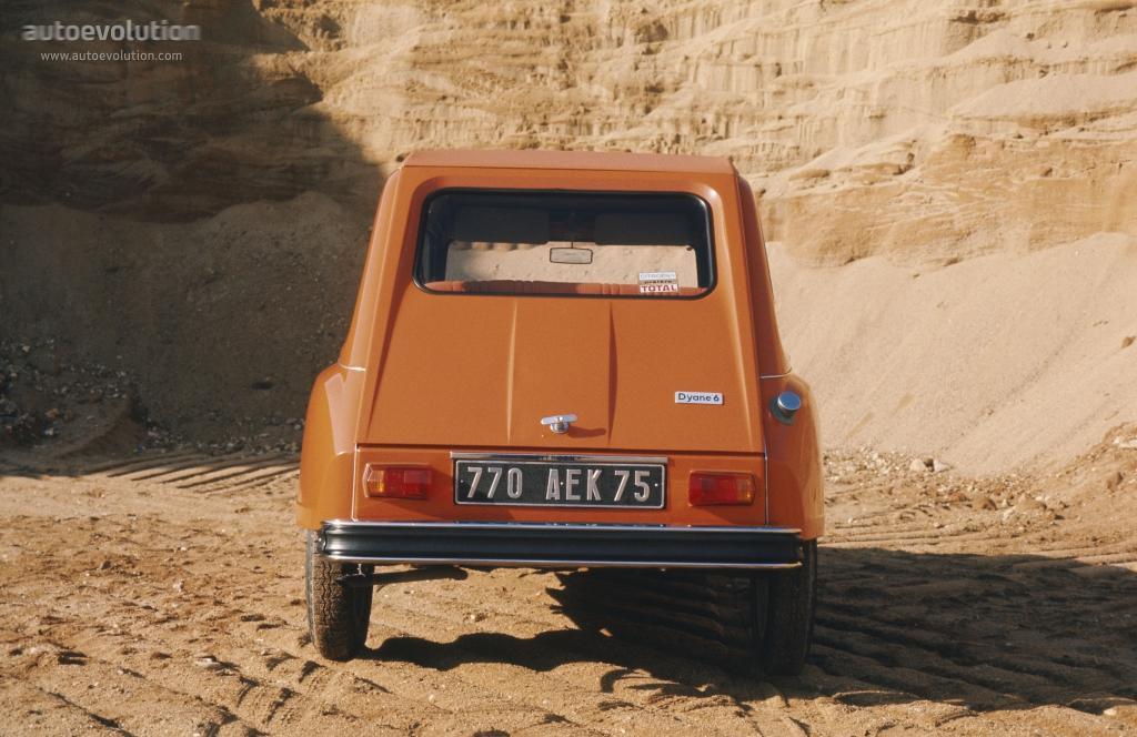 Dyane 6 1972 face arrière