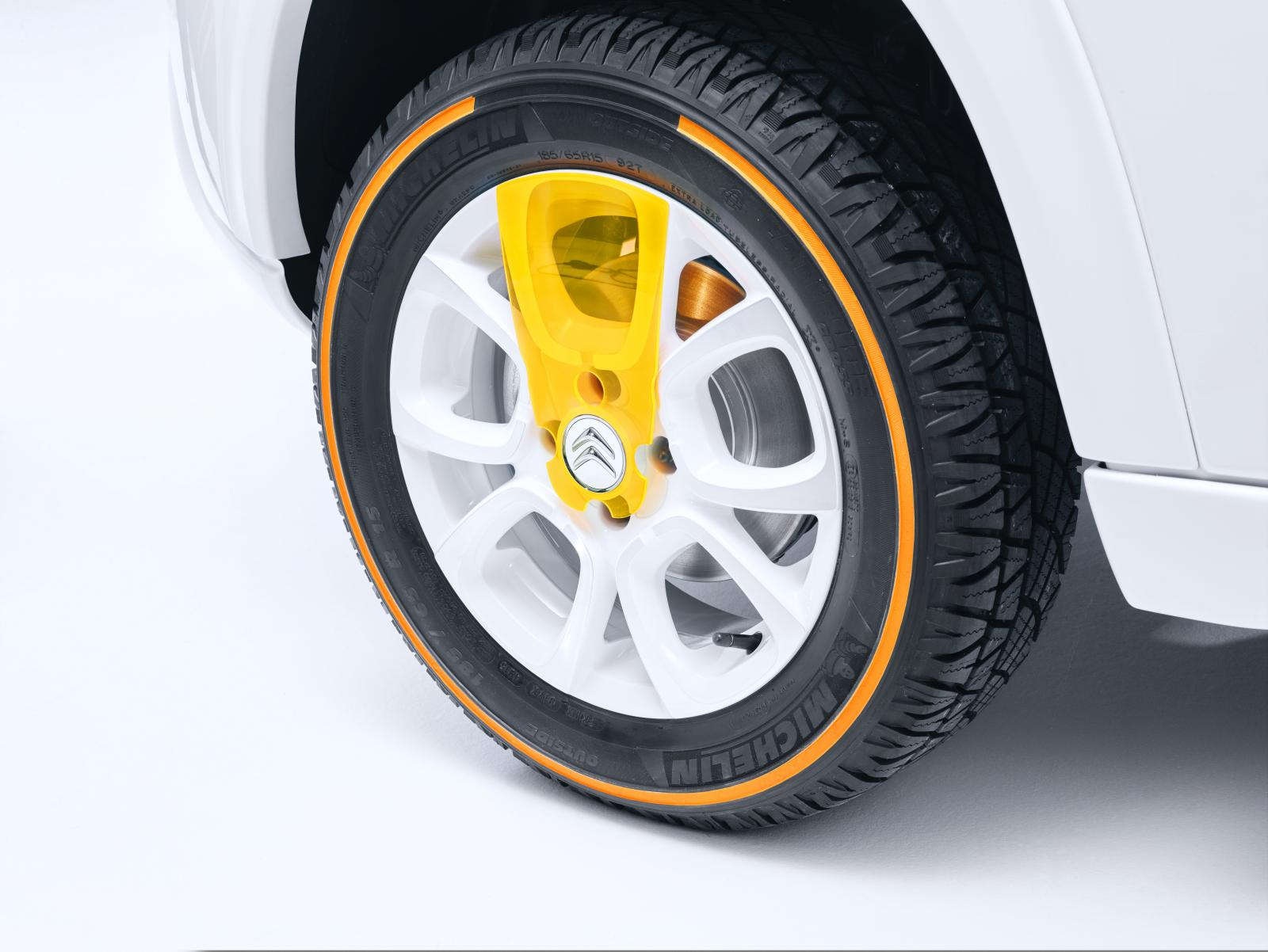 E-MEHARI Courrèges 2016 roue avant