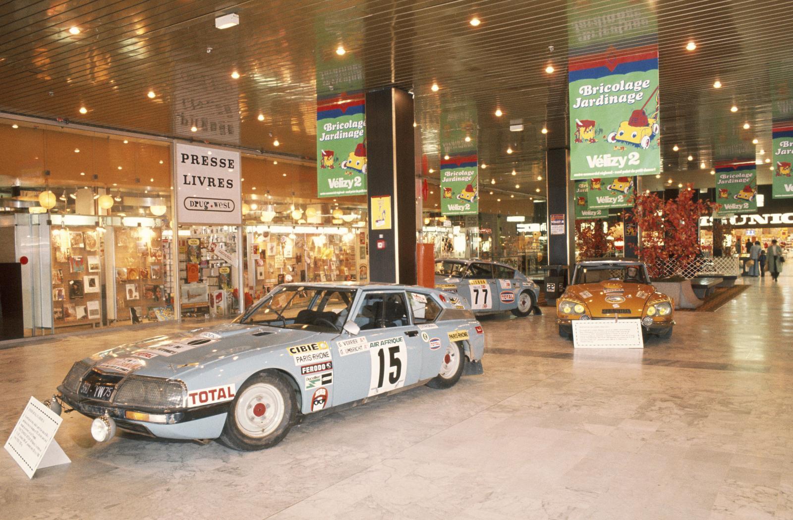 ヴェリズィ・ショッピング・センターでの展示 - SM & DS ラリー - 1976年