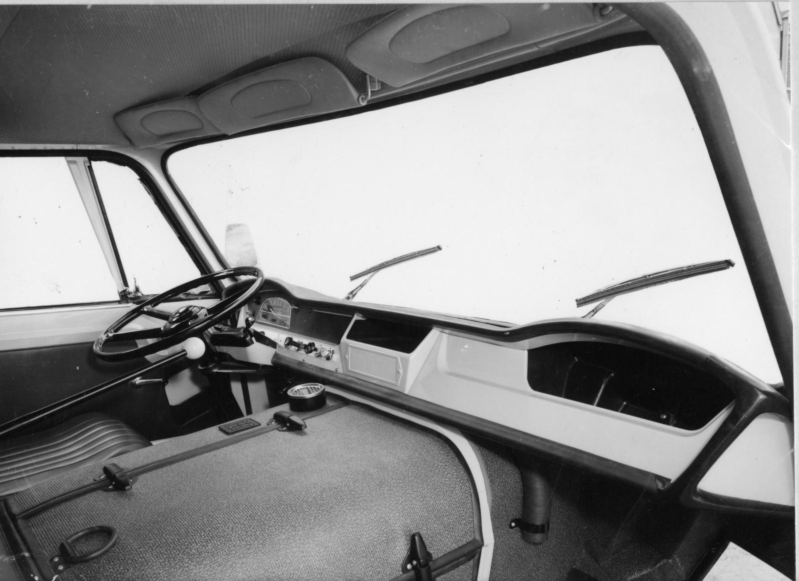 トラック 350 内装 - 1965年