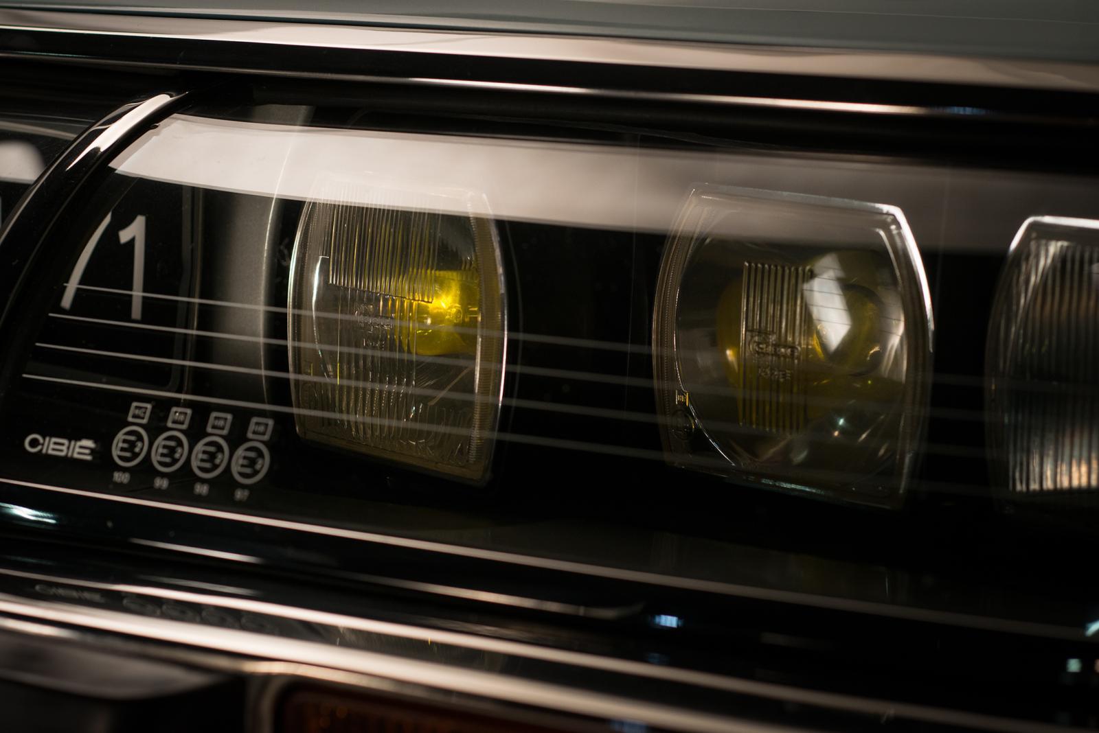 SM - ヘッドライト