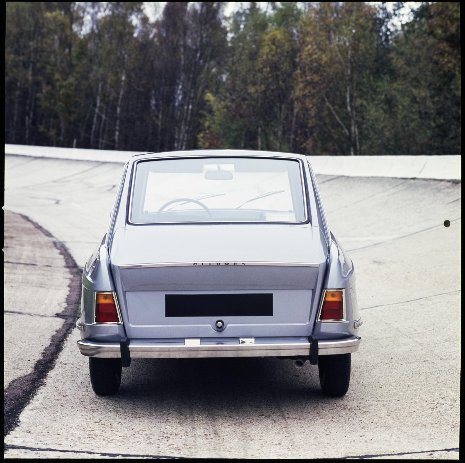 M35 1970 arrière