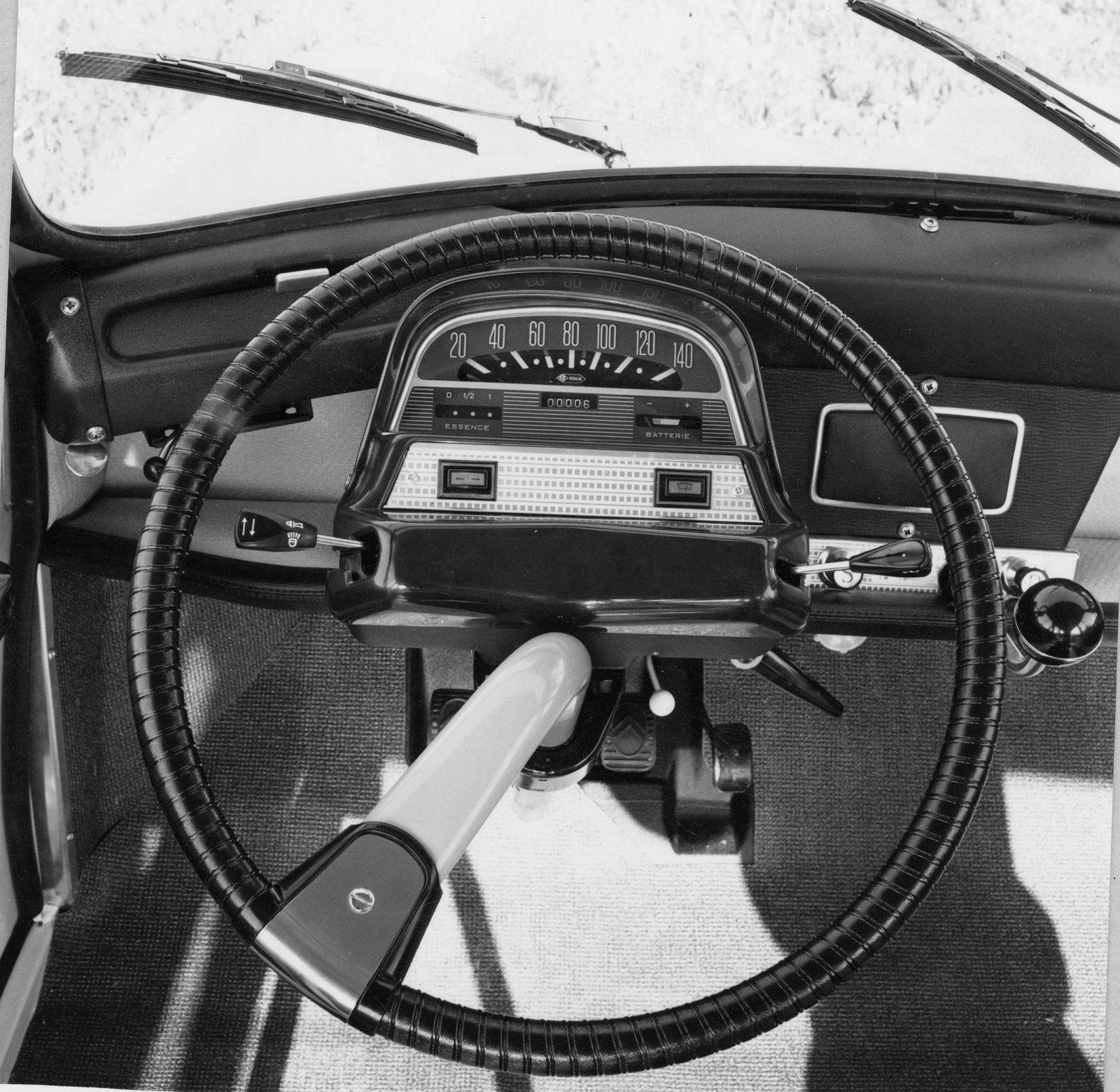 AMI 6 - Poste de conduite de 1968